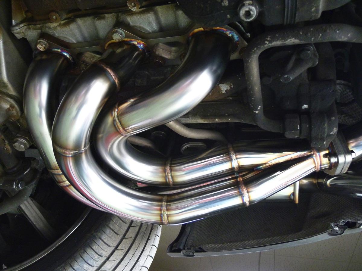 ポルシェ996 GT3 エキゾーストマニホールド